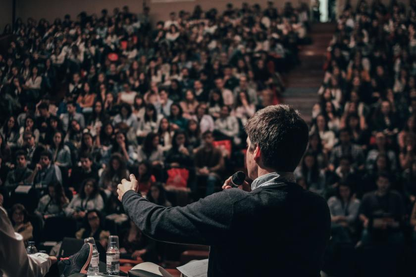 Crowd Speaking